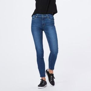Paige - Hoxton Ankle Skinny Jeans in SoCal